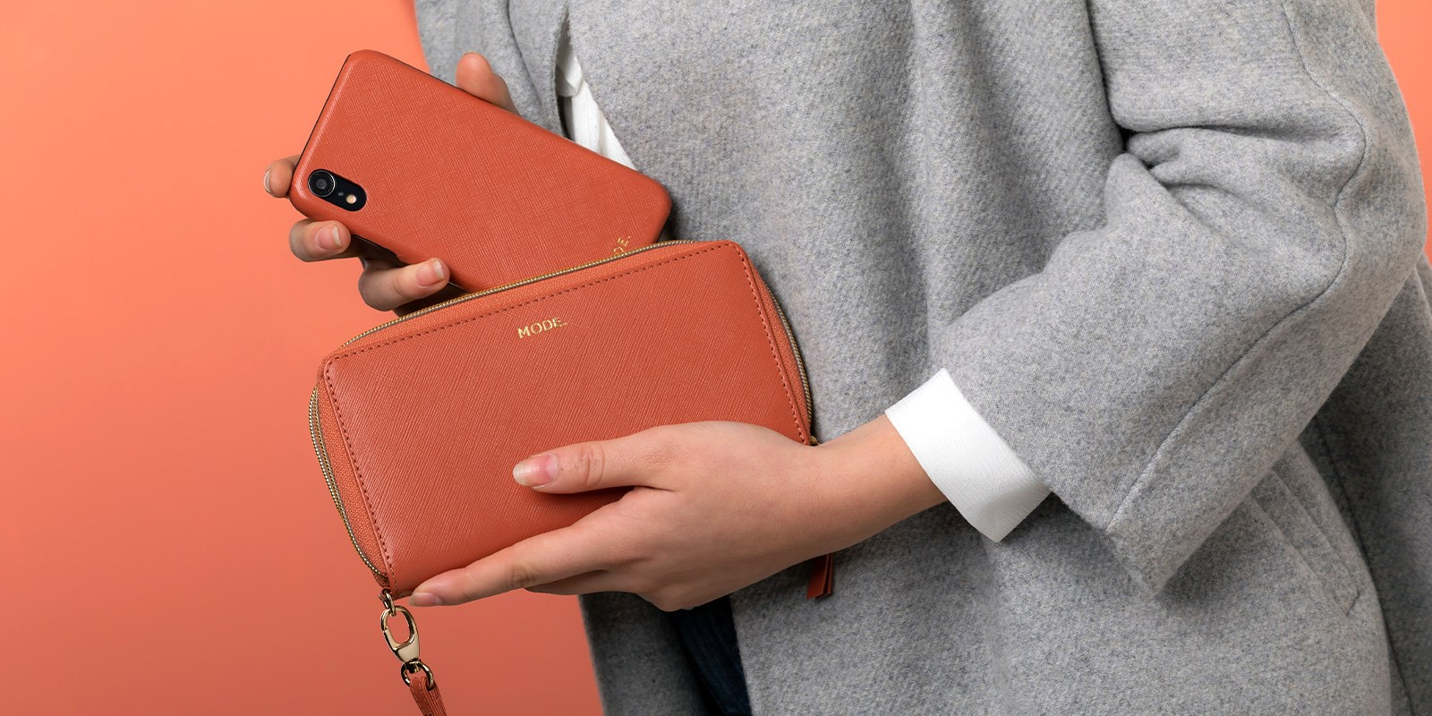 are you dating yourself by carrying a wallet